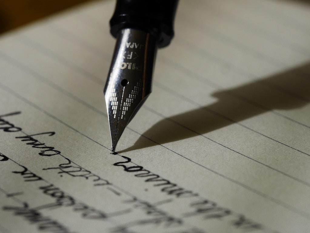 Liefdesbrief aan mezelf, Brief, Photo by Aaron Burden on Unsplash