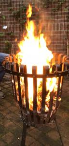 Kamperen, Zelfgemaakt vuur