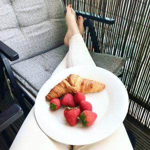Favorieten en Ontdekkingen, Oktober 2018, November 2018, Zonnige dag met ontbijt op balkon