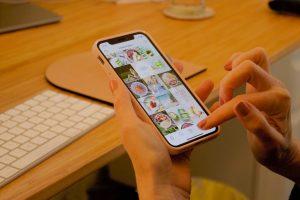 Social Media dieet, Telefoon, Instagram, Influencer, Photo by Freshh Connection on Unsplash