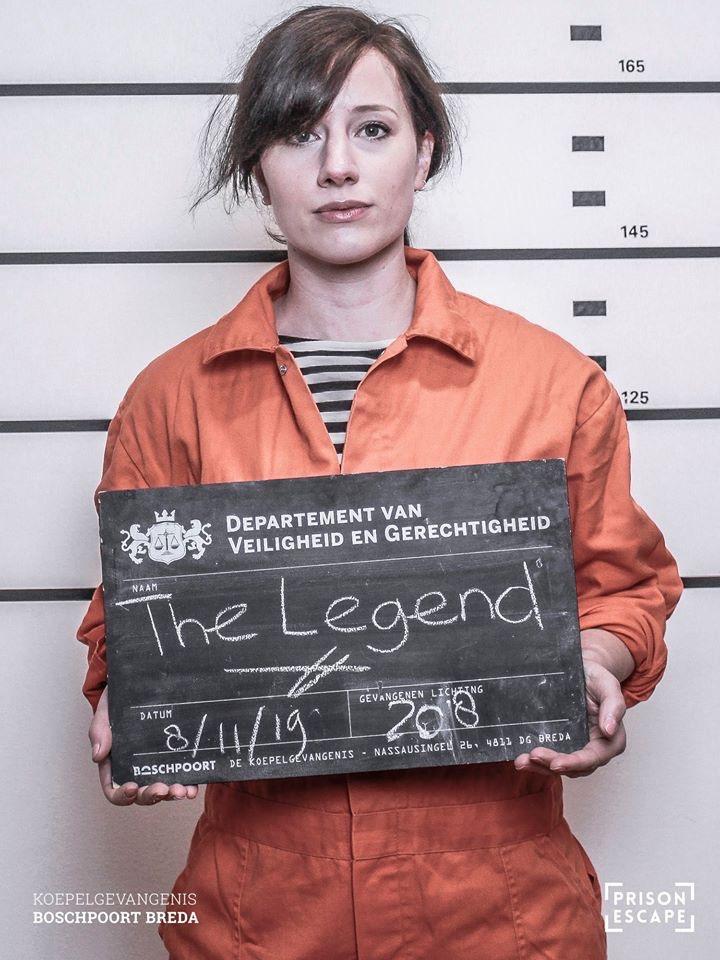 Werken als Actrice in de Gevangenis, Acteur bij Prison Escape, Anne